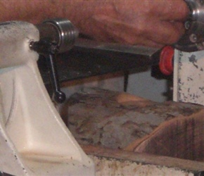 03 PUTTING SCREW CHUCK IN PLACE TO HOLD WOO
