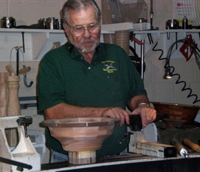 01 LARNIE CROSS DEMO ON HOW TO SMOOTH OUT LUMPS AND BUMPS WITH A SCRAPER AND BOWL GOUG.jpg